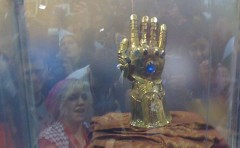 The Infinity Gauntlet. Foto av Pinguino Kolb, från Comic Book Resources.