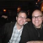 Glada herrar på Tiki Room: Brett Warnock och Chris Staros.