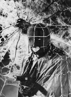 Warren Hull som The Spider i filmföljetongen från 1941.